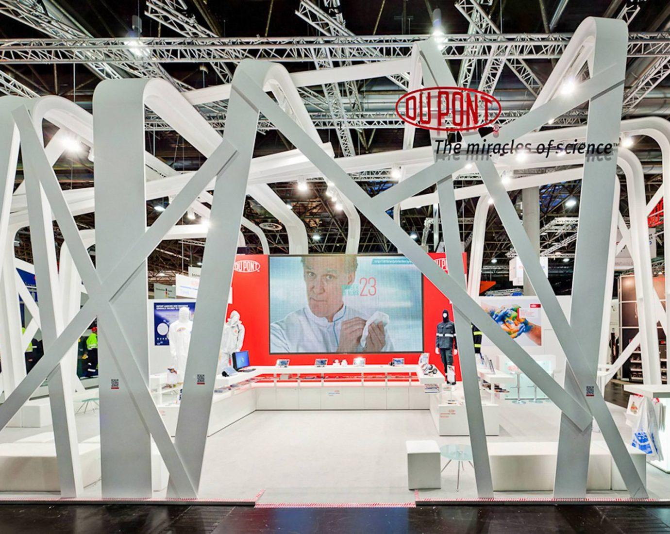 DuPont Messestand. Futuristische Messearchitektur mit DIMAH