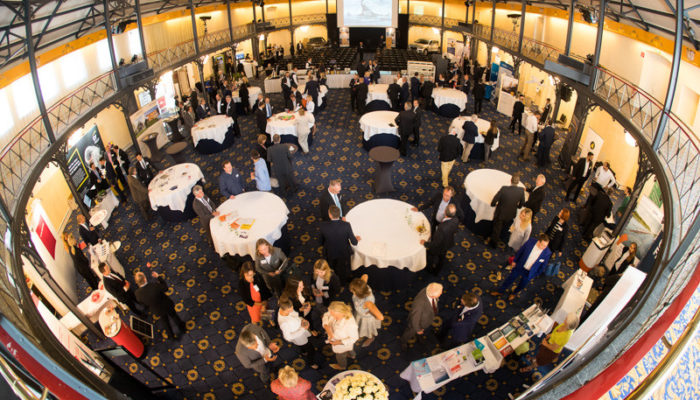 DIMAH Messe + Event Aufnahme einer Veranstaltung von oben